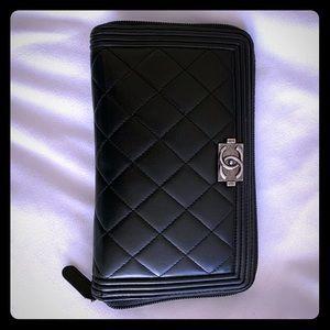 CHANEL Bags - Chanel zippy black Boy wallet